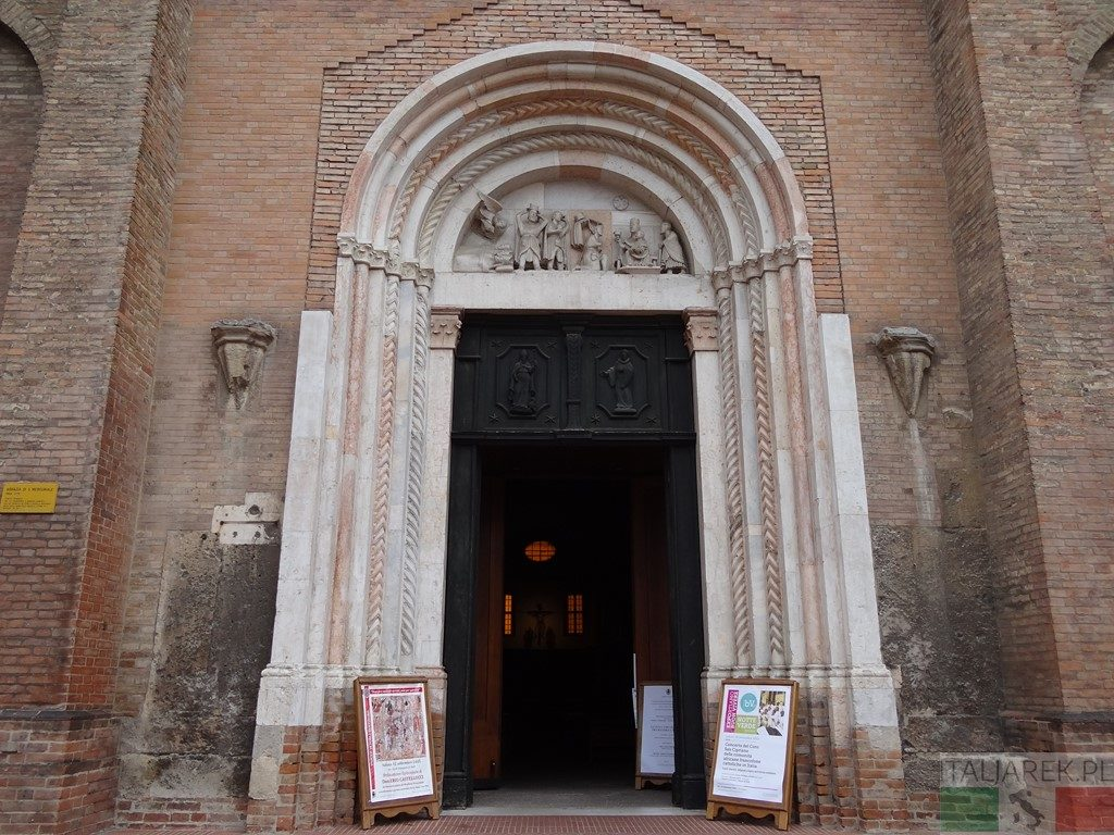 Wejście do bazyliki San Mercuriale - Forli