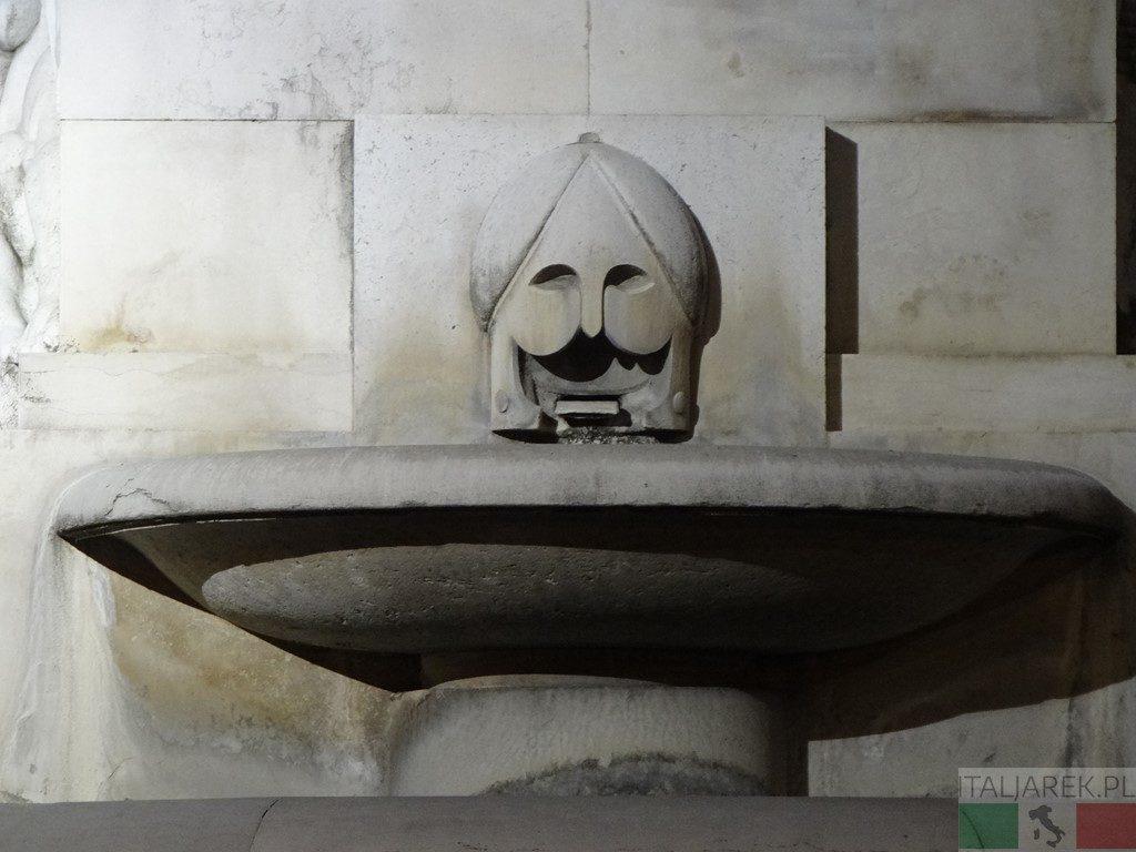 Monumento ai caduti - szczegół
