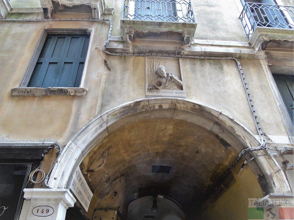 Wenecja, Merceria 149, tablica pamiątkowa