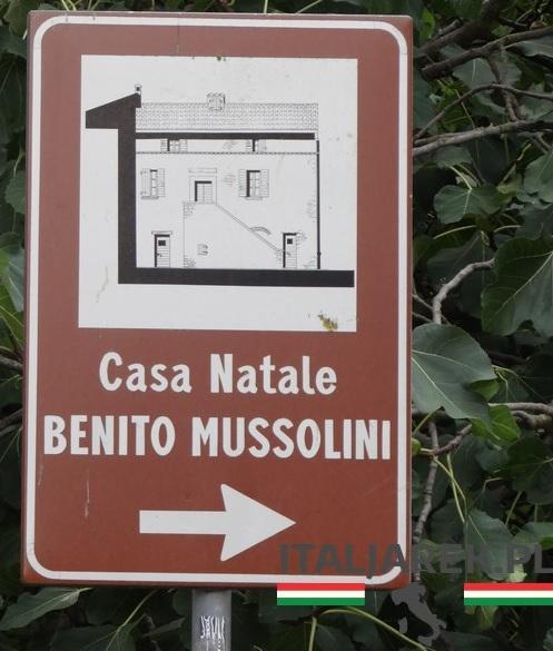 Drogowskaz do Casa Natale Mussolini