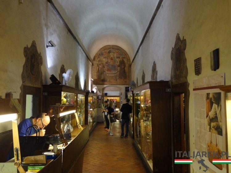 Na zakupy do bazyliki Santa Croce