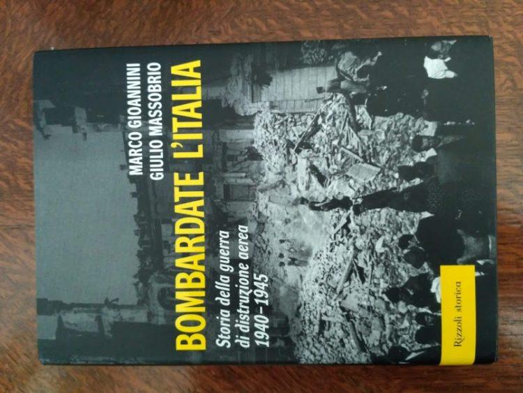 Bombardowanie Włoch ksiązka