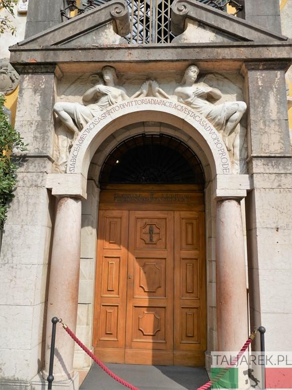 Vittoriale - wejście do Priorii