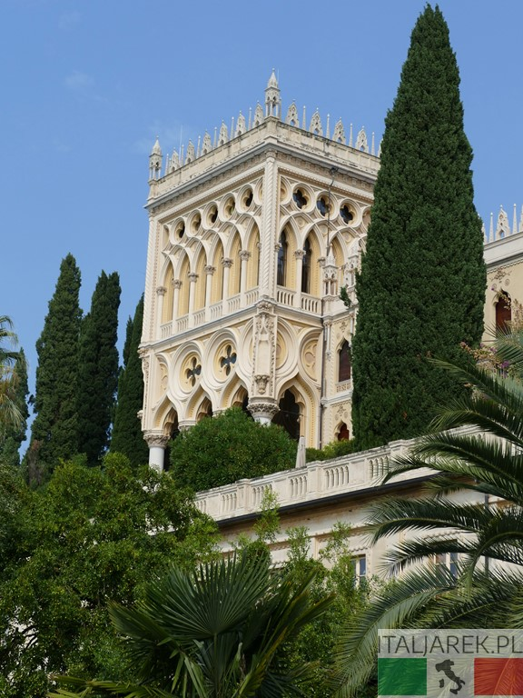 Isola del Garda - wieża willi