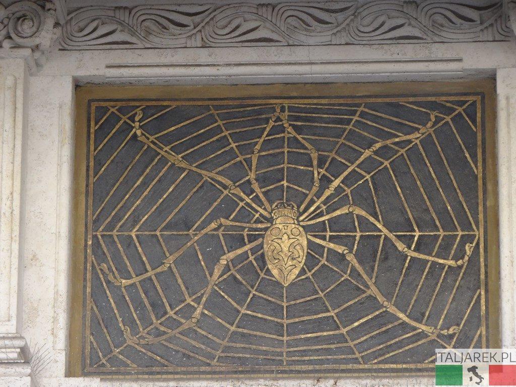 Coppede - złoty pająk