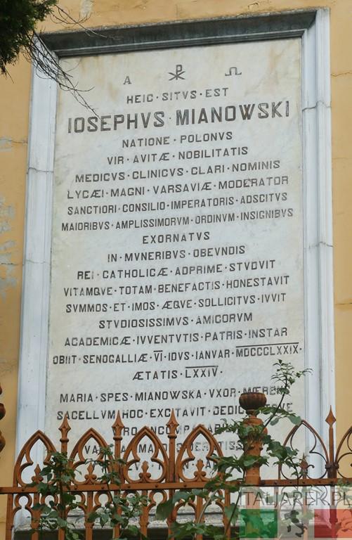 Tablica na gobowcu Józefa Mianowskiego