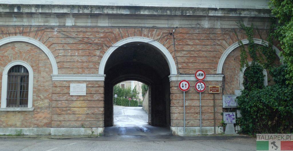 Ancona - Porta Santo Stefano