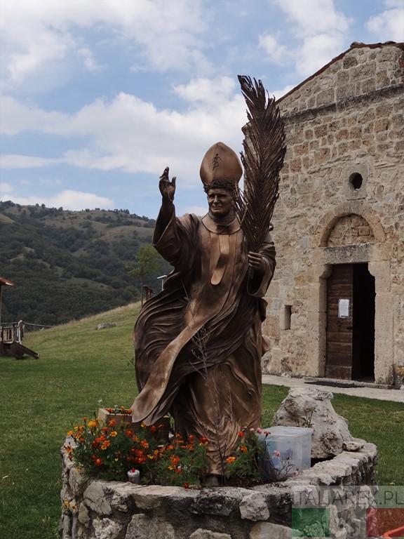 San Pietro della Ienca - rzeźba Jana Pawła II, Fiorenzo Bacci