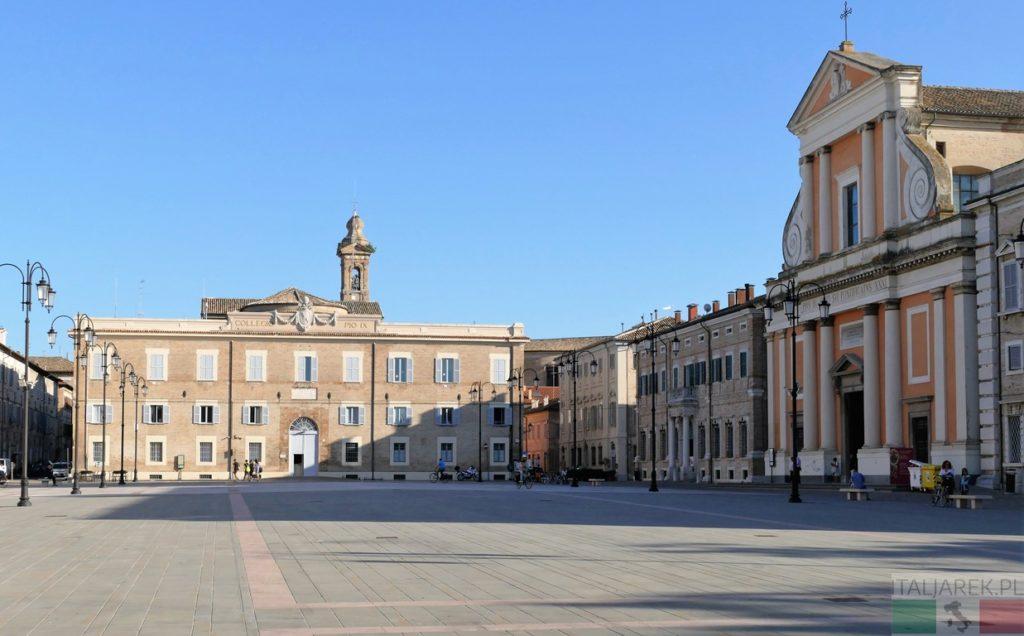 Senigallia, Piazza Garibaldi