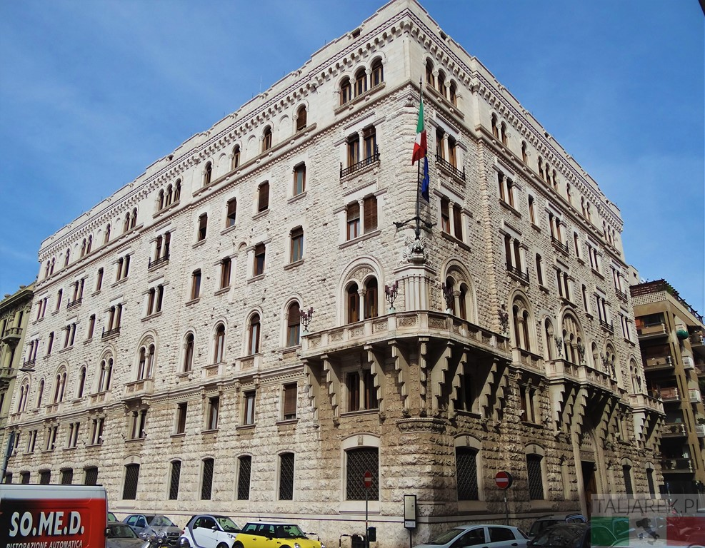 Palazzo dell Acqua, Bari