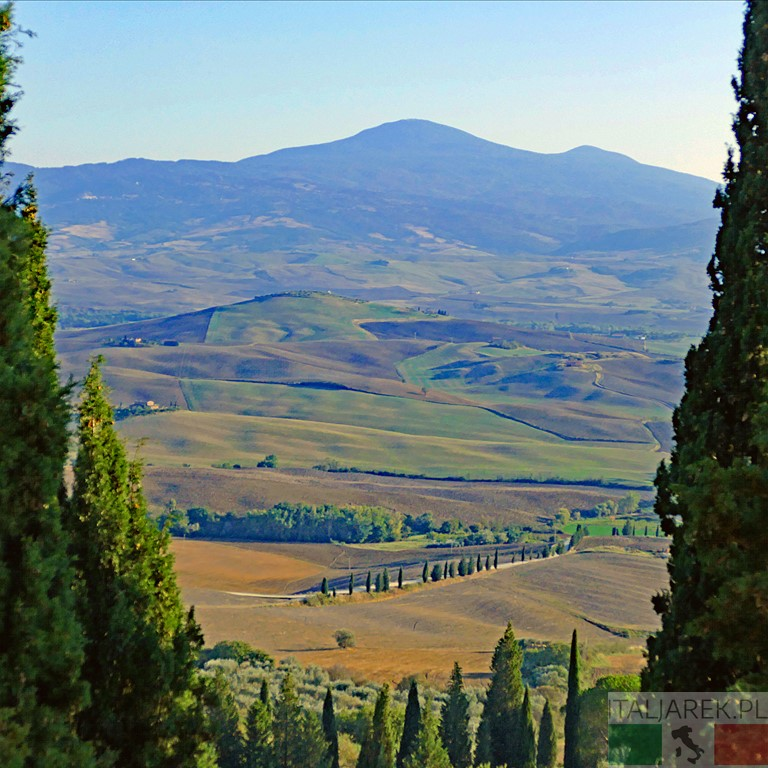 Widok z ogrodu na Val d' Orcia i Monte Amiata