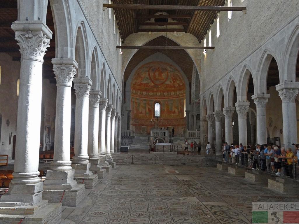 Akwileja - wnętrze bazyliki