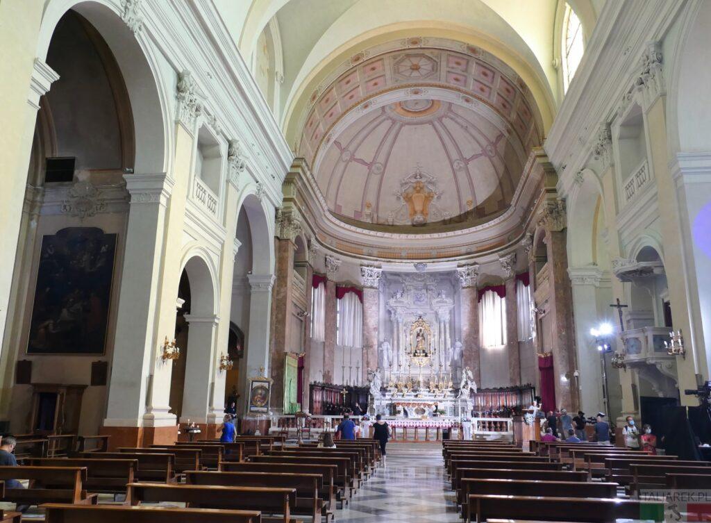 Comacchio - katedra (wnętrze)