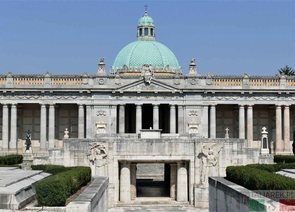 Chiostro VI (dei Caduti) - Certosa di Bologna