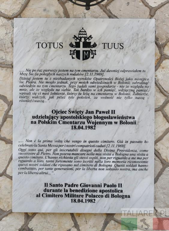 Św. Jan Paweł II - tablica na cmentarzu w Bolonii