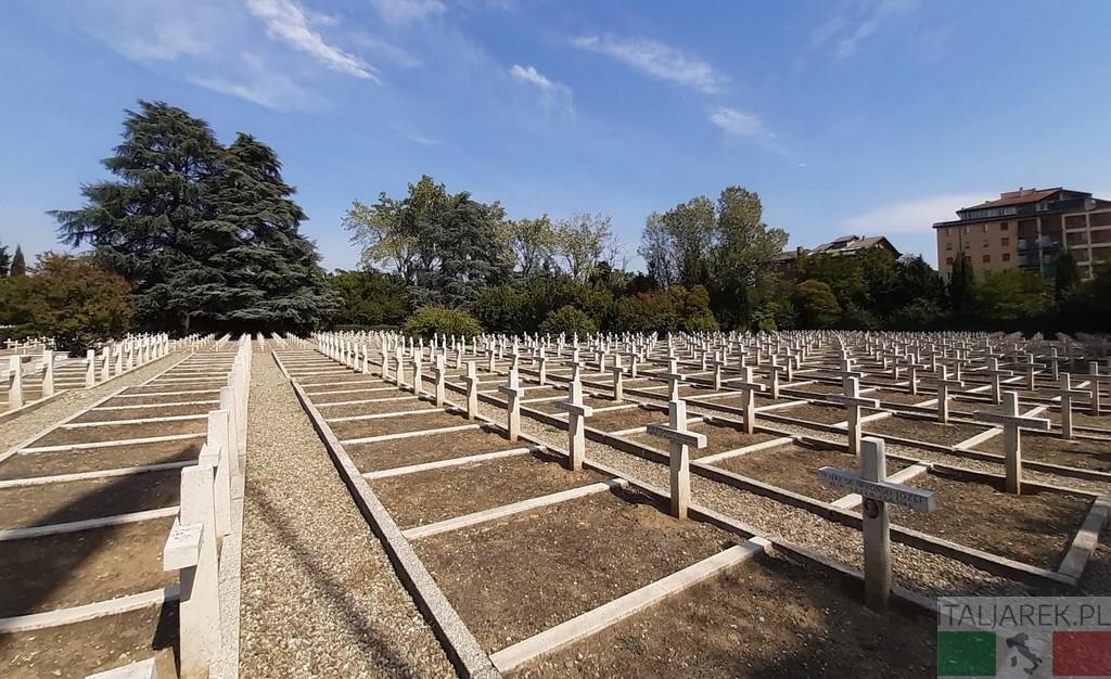 Ponad 1400 grobów na cmentarzu w Bolonii