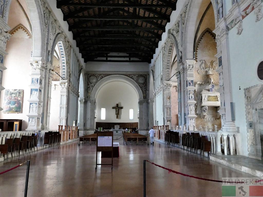 Tempio Malatestiano - wnętrze