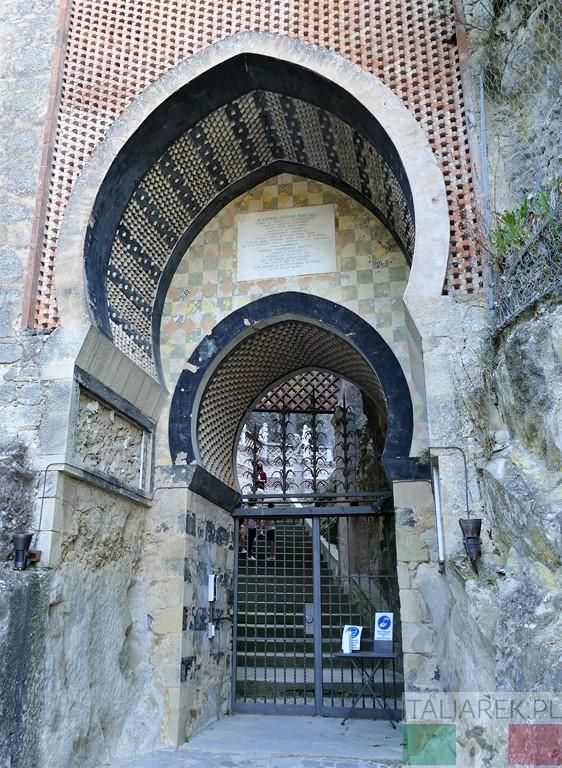 Rocchetta Mattei - wejście