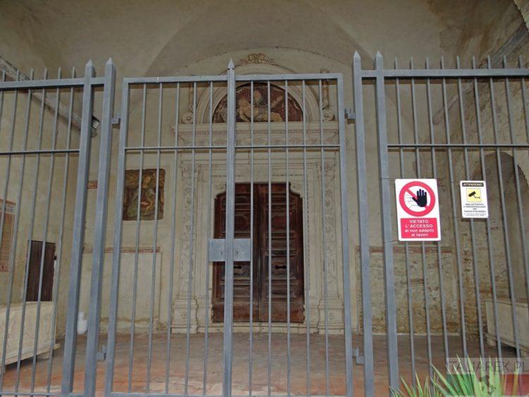 Zamknięte kościoły Abruzji